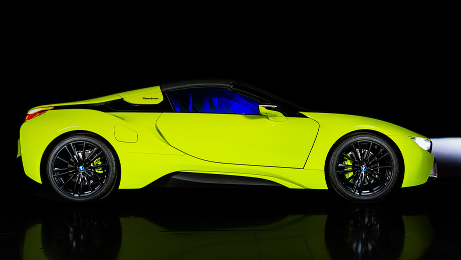 Гибрид BMW i8 Roadster LimeLight Edition