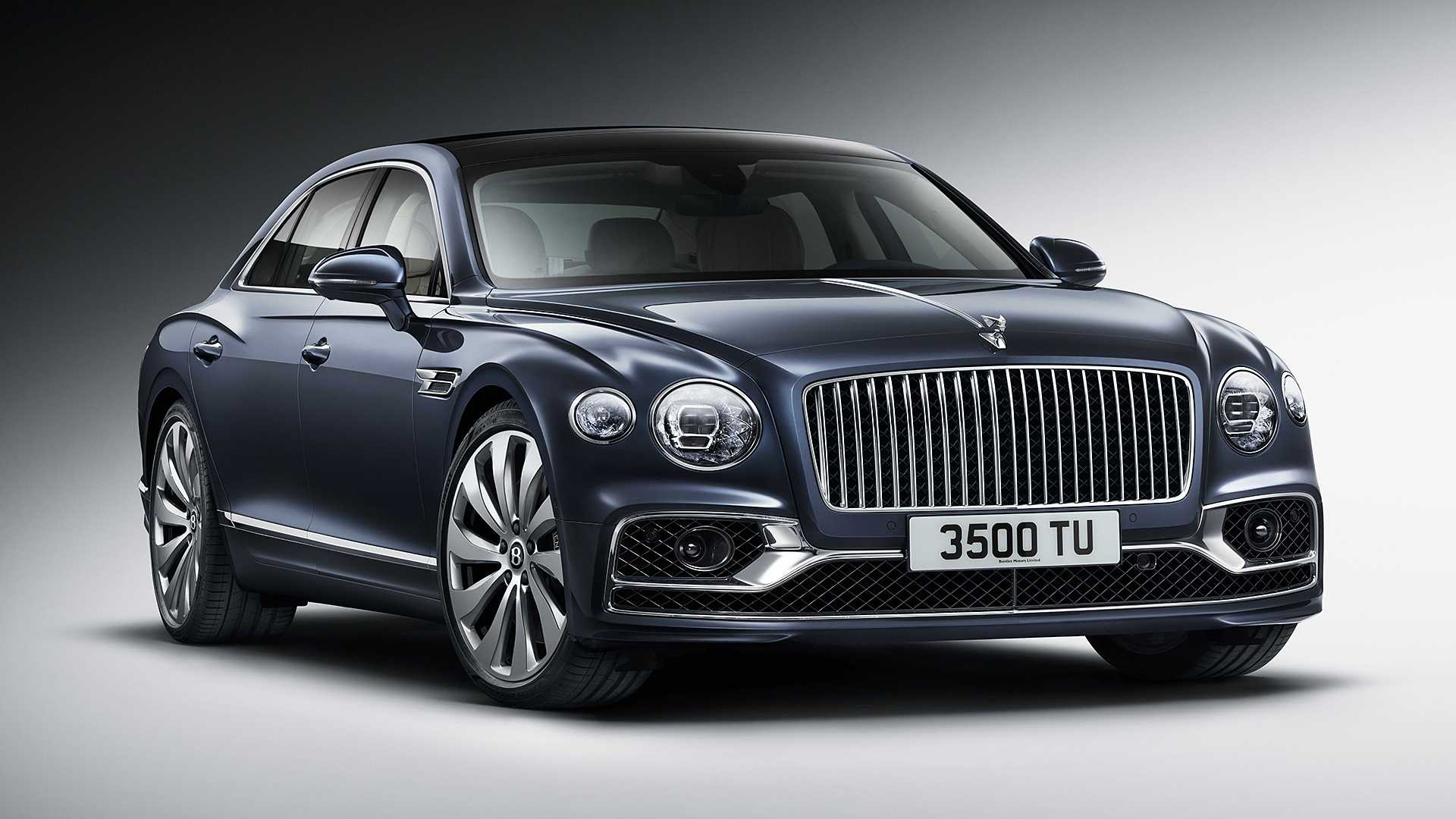 Новый Bentley Flying Spur: седан с характеристиками суперкара