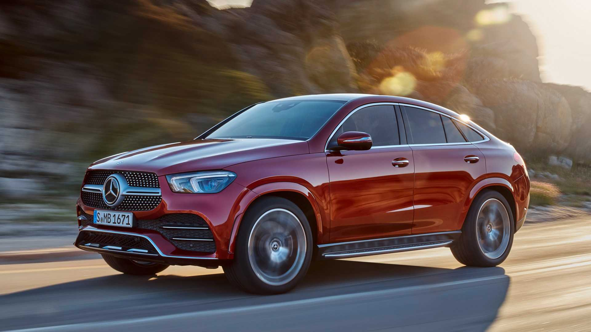 Mercedes-Benz GLE официально превратился в кросс-купе